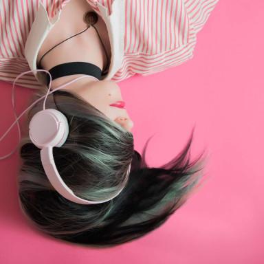 Chica DJ Para Spot Altavoz