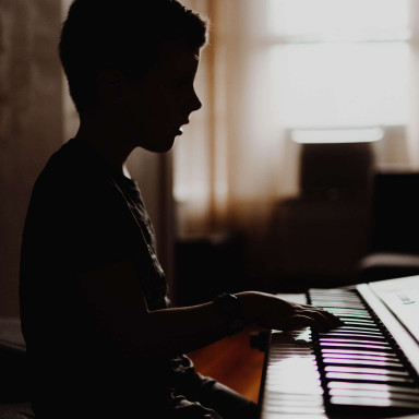 Niños pianistas para programa de TVE