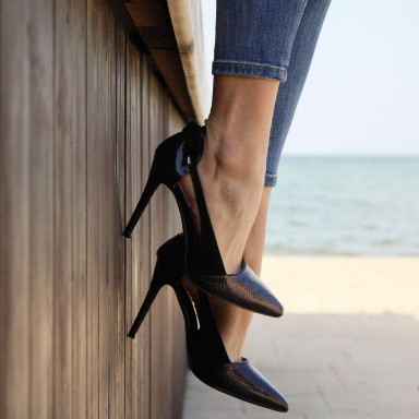 Modelo de piernas para catálogo